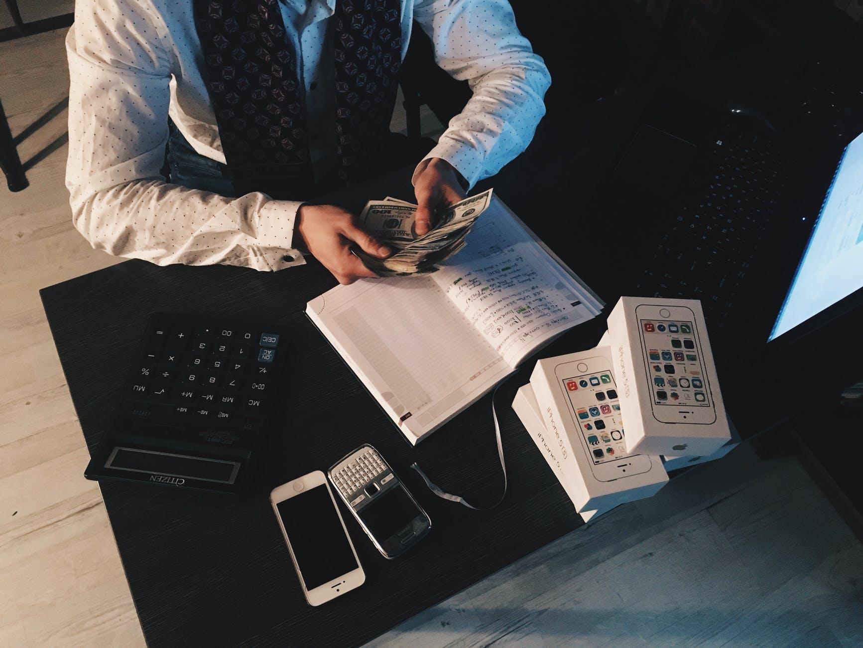 Presupuesto, correcciones y ahorro