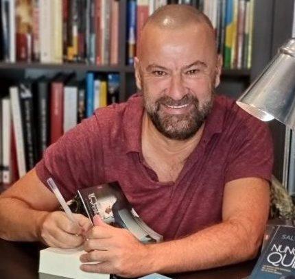 """Salvador """"Bore""""Navarro es autor de la novela Nunca sabrás quién fui."""